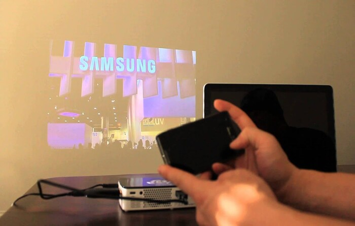 Using Chromecast with a projector